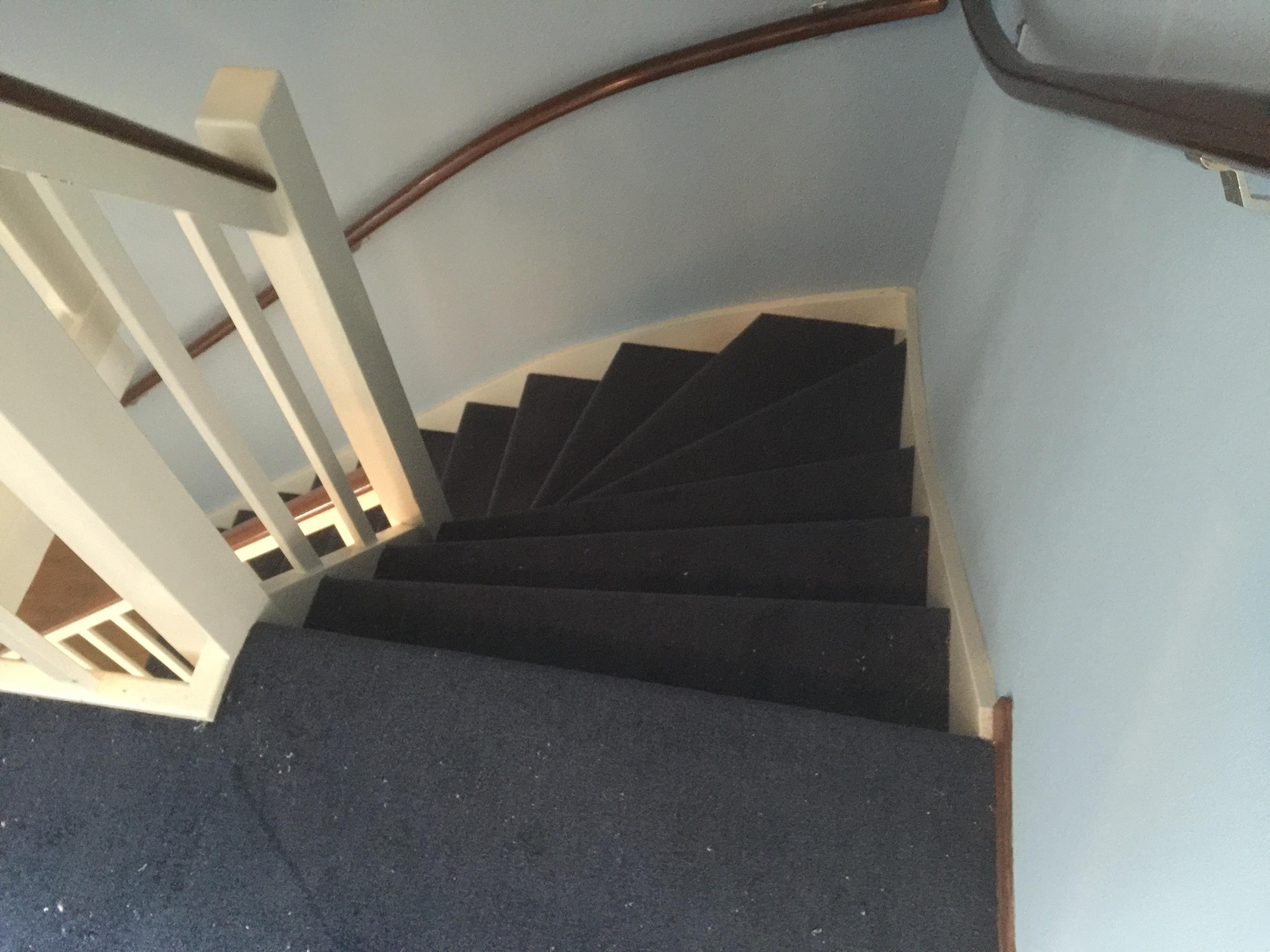 Trap Tapijt Leggen : Vloer leggen groningen tapijthal pvc laminaat vinyl